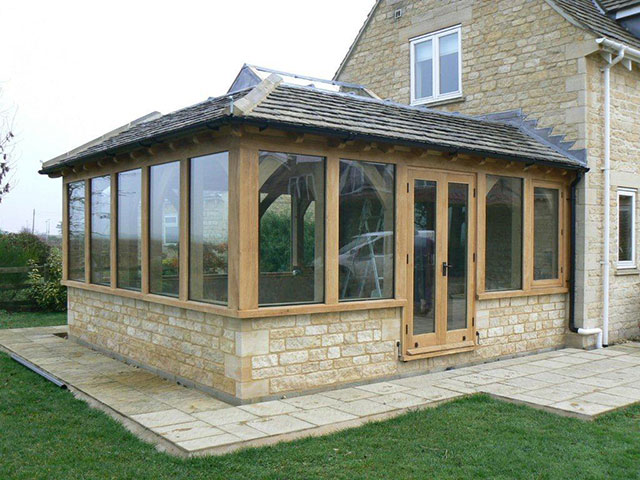 Oak framed garden buildings in oxfordshire hampshire for Oak framed garden room